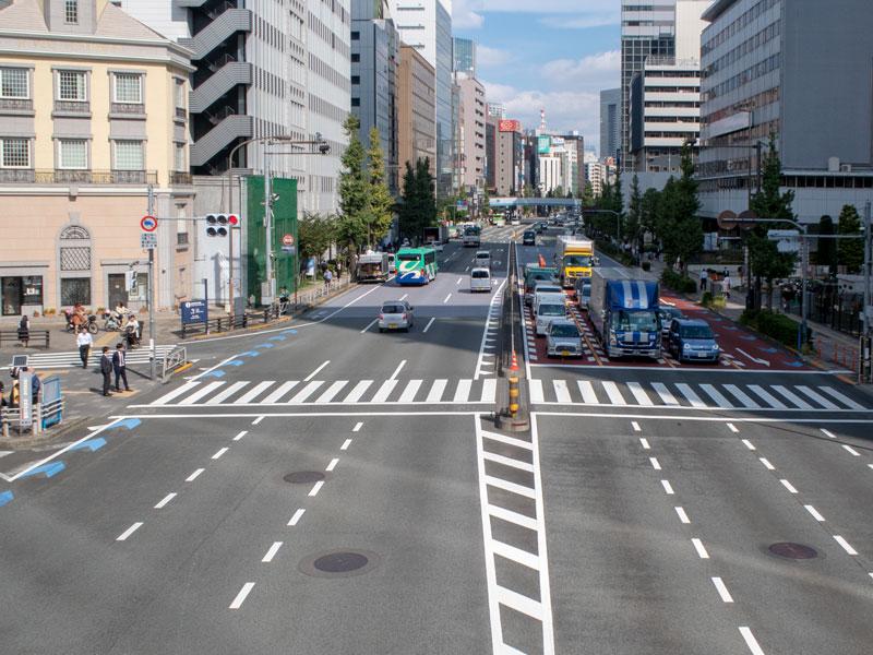 田町駅前の風景